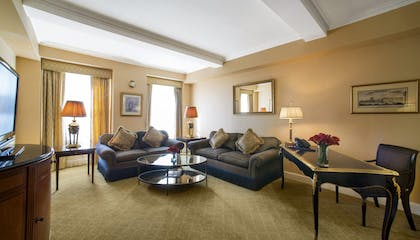 Living Room | Two-Bedroom Suite | Hotel Plaza Athenee