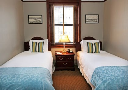 Twin bedroom | Two Bedroom Family Suite | Hotel Wales