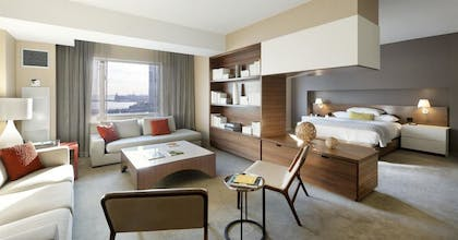 Suite Area | Ellis Suite + Hudson View Doubles  | Hyatt Regency Jersey City on the Hudson