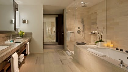 Bathroom | Family Room | The Langham, New York, Fifth Avenue