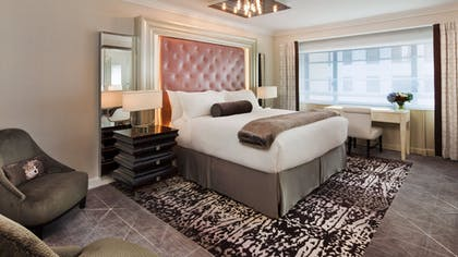 Bedroom | Glamour Suite | Loews Regency New York