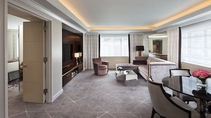 Living Room | Glamour Suite | Loews Regency New York