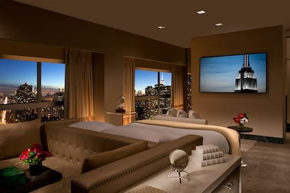Presidential Bedroom | Millennium Suite + 2 Full Beds Room | Millennium Hilton New York One UN Plaza