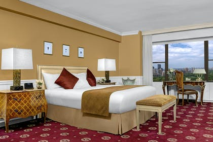 Bedroom | Honeymoon Suite + Premier City View King | Park Lane Hotel New York