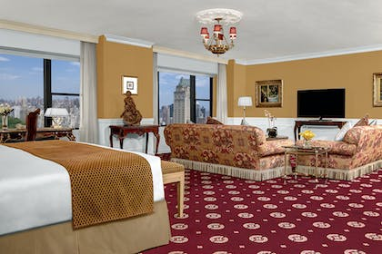 Living room 2  | Honeymoon Suite + Premier City View King | Park Lane Hotel New York