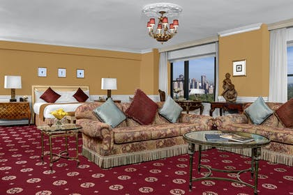 Living room | Honeymoon Suite + Premier City View Queen | Park Lane Hotel New York