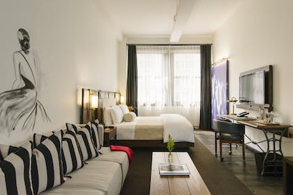 Bedroom | Atelier Executive Suite | Refinery Hotel