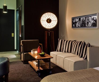 Living Room | Atelier Executive Suite | Refinery Hotel