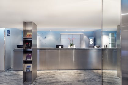 Front Desk | Shoreham Hotel