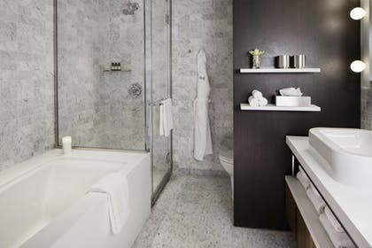 Bathroom | Smyth Suite + Studio King | Smyth, a Thompson Hotel
