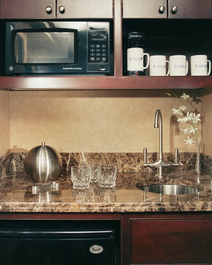 Mini Kitchenette | One Bedroom Suite | The Blakely New York