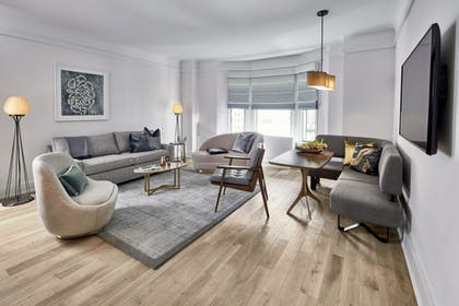 Living Room | Jimmy Suite Two Queens | The James New York – NoMad