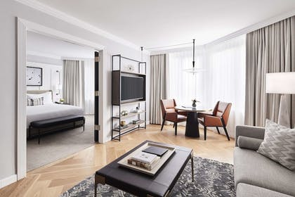 Living | 1 King Bed 1 Bedroom Suite | The London NYC