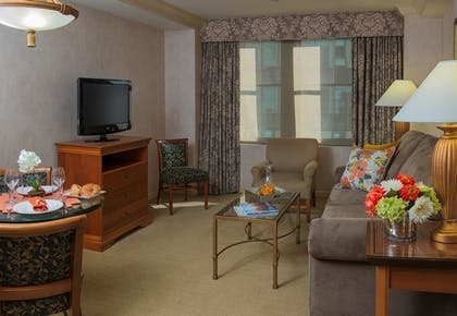 Living Room | One Bedroom Suite  | The Manhattan Club
