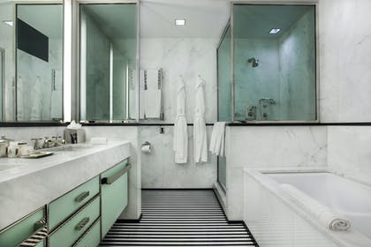 Bathroom | Manhattan Suite | The Mark