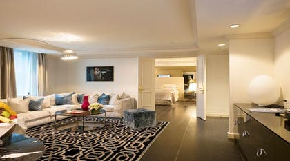 Living Room | Grand One Bedroom Suite | The Michelangelo