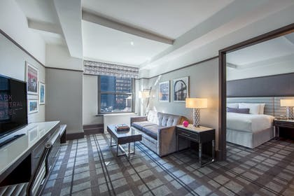 Times Square Premier King Suite At Park Central New York