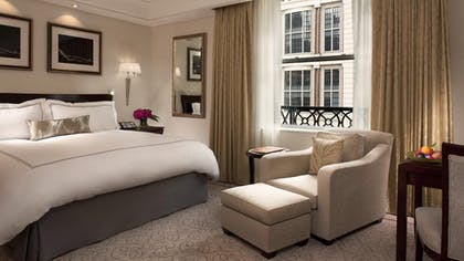 Bedroom | Deluxe Suite + Grand Luxe Room | The Peninsula New York