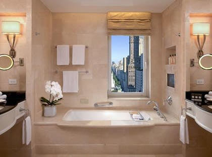 Bathroom | Deluxe Suite | The Peninsula New York