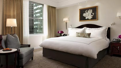 Bedroom | Deluxe Suite | The Peninsula New York