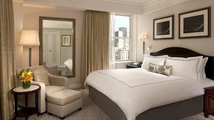 Bedroom | Executive Suite | The Peninsula New York
