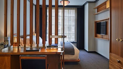 Bedroom | Viceroy Junior Suite + Viceroy Deluxe Double | Viceroy New York