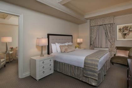 Bedroom | Premier Suite King | Warwick New York
