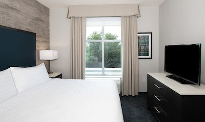 Bedroom | 1 King Bed 1 Bedroom Suite Non-smoking | Homewood Suites by Hilton North Charleston