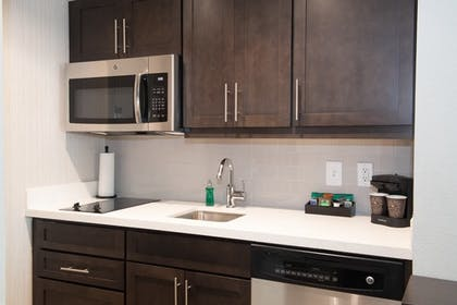 Kitchen | 2 Queen Beds 1 Bedroom Suite Non-smoking | Homewood Suites by Hilton North Charleston