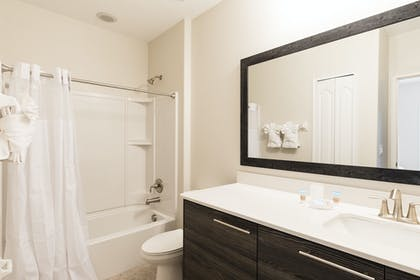 Bathroom 2.jpg | 2 Bedroom Townhome | Balmoral Resort Florida