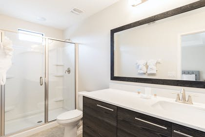 Master Bath 1.jpg | 2 Bedroom Townhome | Balmoral Resort Florida