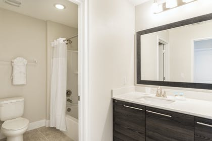 Bathroom 2 | 3 Bedroom Townhome | Balmoral Resort Florida
