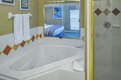 Bathroom 2 | One Bedroom Suite | Barefoot'n Resort by Diamond Resorts