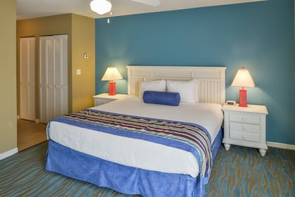 Bedroom | One Bedroom Suite | Barefoot'n Resort by Diamond Resorts