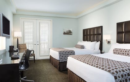 2 Queen Beds | 1 King Bed Suite Nonsmoking + Two Queen Beds Nonsmoking | Crowne Plaza Orlando-Downtown