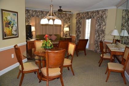 Dining Area | Three Bedroom Suite | Cypress Pointe Resort
