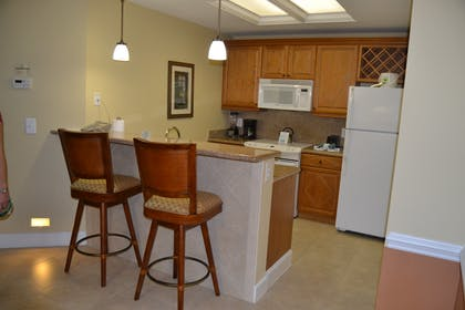 Kitchen | Three Bedroom Suite | Cypress Pointe Resort