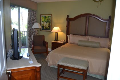 Master Bedroom | Three Bedroom Suite | Cypress Pointe Resort