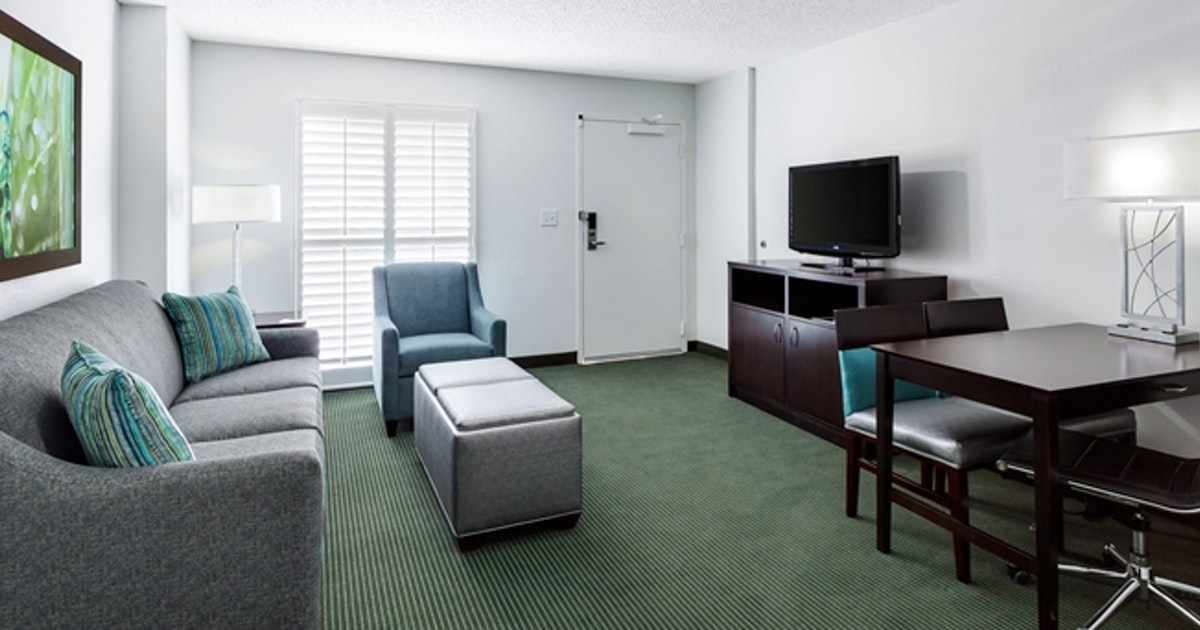 2 Room Suite 2 Queen Beds At Embassy Suites By Hilton