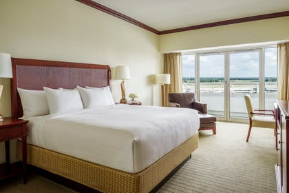Bedroom | VIP Suite + Two Queen Room | Hyatt Regency Orlando International Airport