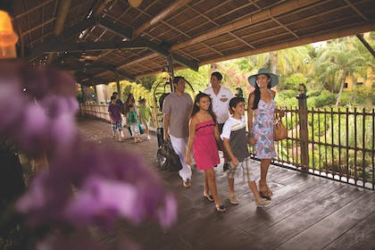 Entrance - Lifestyle | Universal's Loews Royal Pacific Resort™