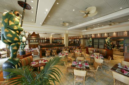 Islands Dining Room | Universal's Loews Royal Pacific Resort™
