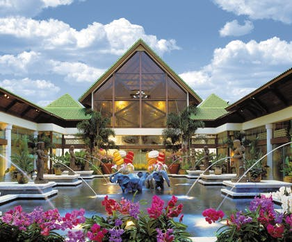 Orchid Court | Universal's Loews Royal Pacific Resort™