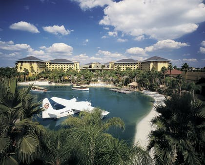 Preferred Exterior | Universal's Loews Royal Pacific Resort™
