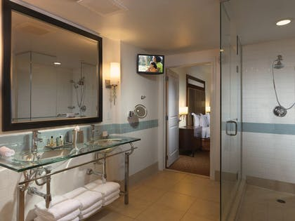 bathroom. | 3 Bedroom Penthouse 2 King 1 Queen Suite | Parc Soleil by Hilton Grand Vacations