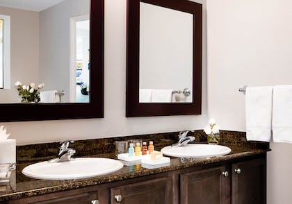 Bathroom Vanity | 1 Bedroom 1 Bath Deluxe View | The Grove Resort & Spa Orlando