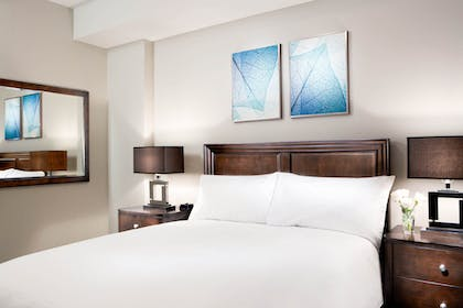 Bedroom | 1 Bedroom 1 Bath Deluxe View | The Grove Resort & Spa Orlando