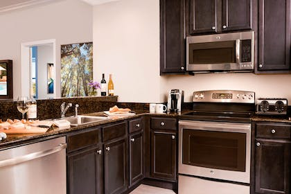 Kitchen | 1 Bedroom 1 Bath Deluxe View | The Grove Resort & Spa Orlando
