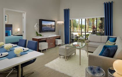 Living Area | 1 Bedroom 1 Bath Deluxe View | The Grove Resort & Spa Orlando