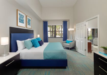 Master bedroom | 1 Bedroom 1 Bath Deluxe View | The Grove Resort & Spa Orlando